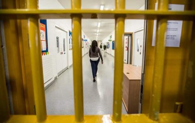 Признания тюремного врача: что происходит всамой большой женской тюрьме вЕвропе