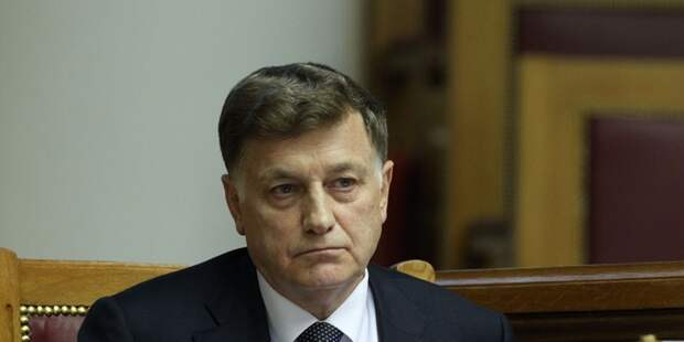 Макарова «поправят» приближенные депутаты?