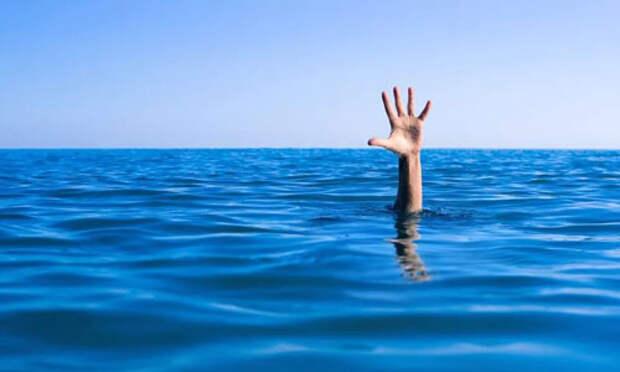 В Севастополе на воде погибли 2 человека