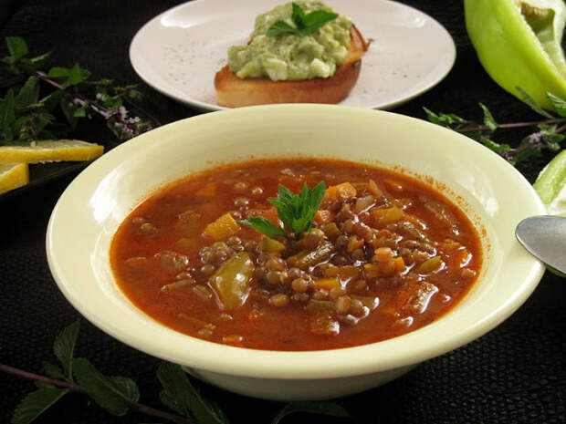 Чечевичный суп по-болгарски (Супа лешта)