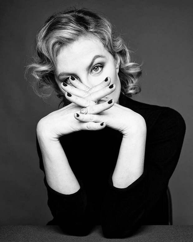 «Она говорит, что я косноязычная»: Рената Литвинова о сотрудничестве с Земфирой