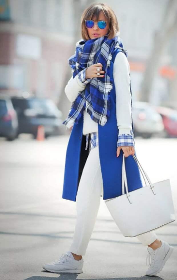Черно-бело-серая палитра: как стильно носить ахроматы
