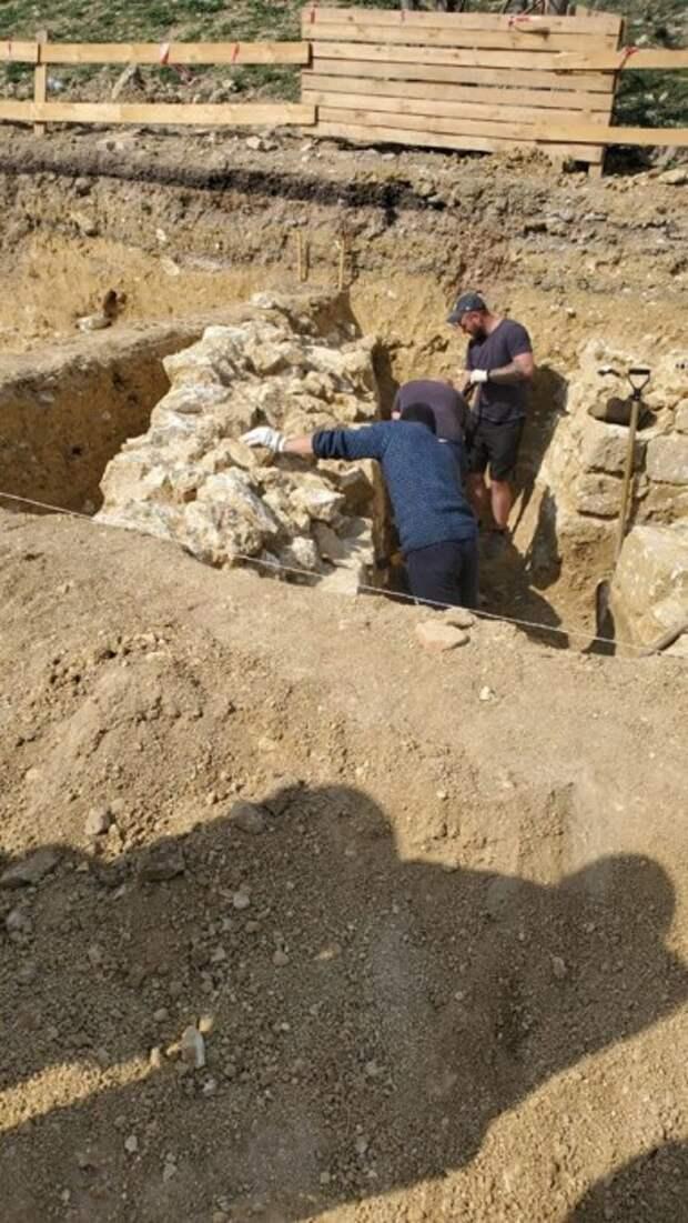 На месте путинского кластера в Севастополе обнаружены древние объекты
