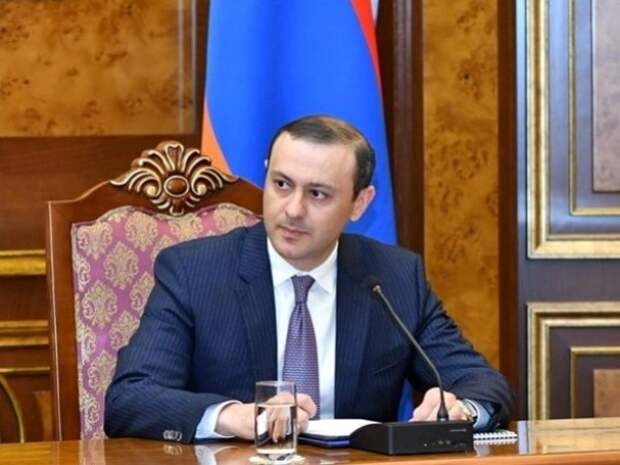 Армения будет строить мощную армию спомощью России— секретарь Совбеза