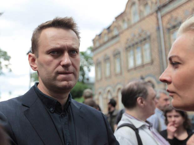 Камбербетч и Роулинг попросили пустить врачей к Навальному