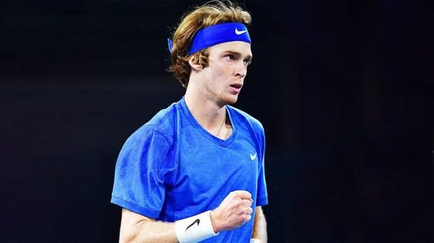 Рублев на отказе Синнера вышел в четвертьфинал турнира в Вене