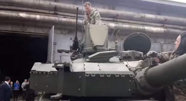 До Москви! До перемоги!  Ляшко с танка заявил о намерении доехать «до Москвы» (видео)