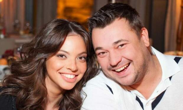 Счастливые супруги. / Фото: www.terrnews.com
