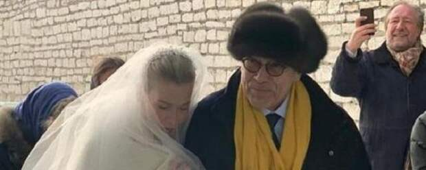 Юлия Высоцкая рассказала о венчании с Андреем Кончаловским