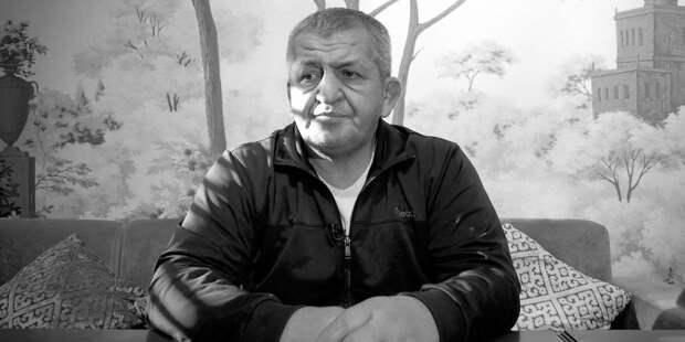 Отец Нурмагомедова скончался