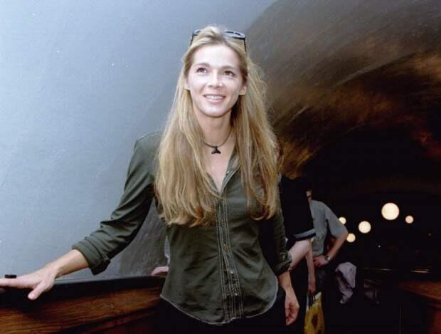 Мечта подростков 90-ых Элен Ролле в Москве, июль 1998 года.