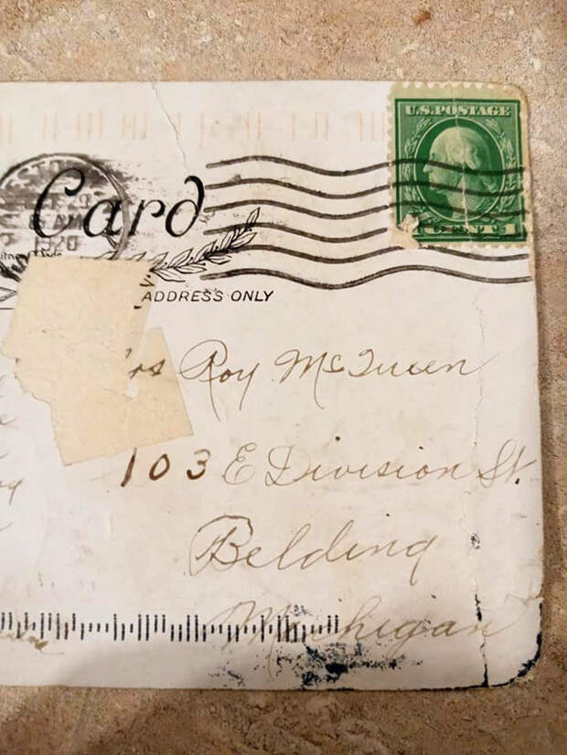 Женщина получила открытку, отправленную еще 100 лет назад