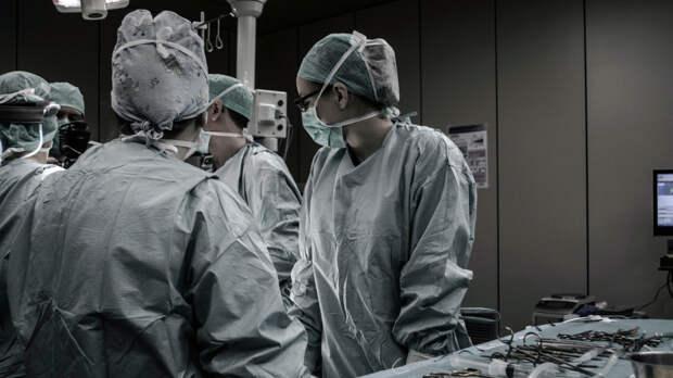 Женщина сознательно заразила себя и детей коронавирусом и умерла