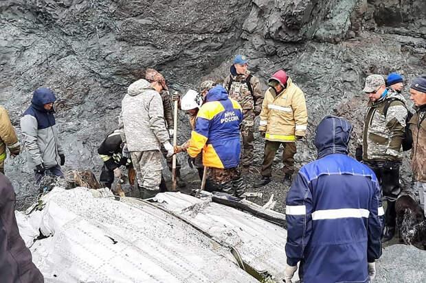 Спасатели нашли тела 19 погибших при крушении Ан-26 на Камчатке