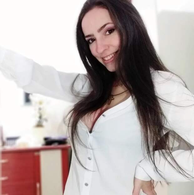 Неразлучные подруги изБразилии разбились насмерть, упав вводопад свысоты 30 метров