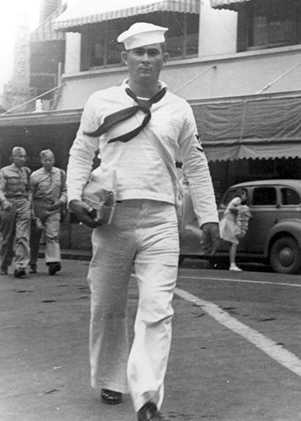 Уйдя на пенсию, Ричард Проеннек своими руками построил сруб и прожил на Аляске 30 лет Ричард Проеннек, аляска, в мире, жизнь, история, люди, сруб