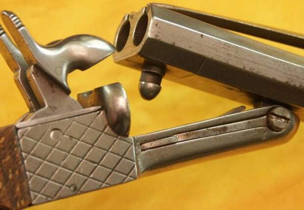 Пистолеты… со штыками