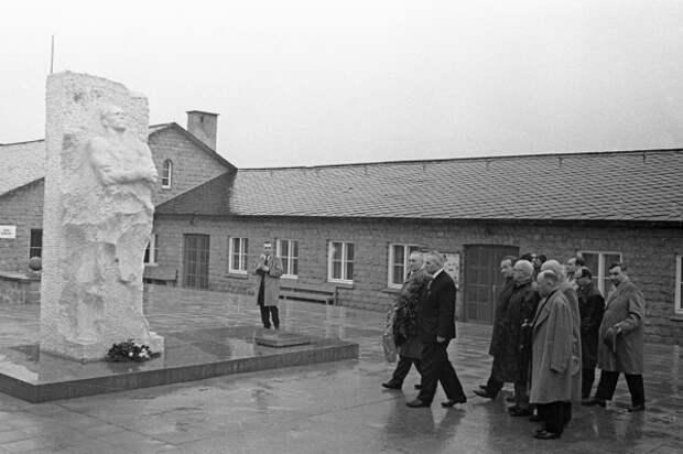 Памятник генералу Дмитрию Карбышеву в Маутхаузене