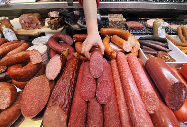 Новый ГОСТ на колбасы: мяса станет меньше