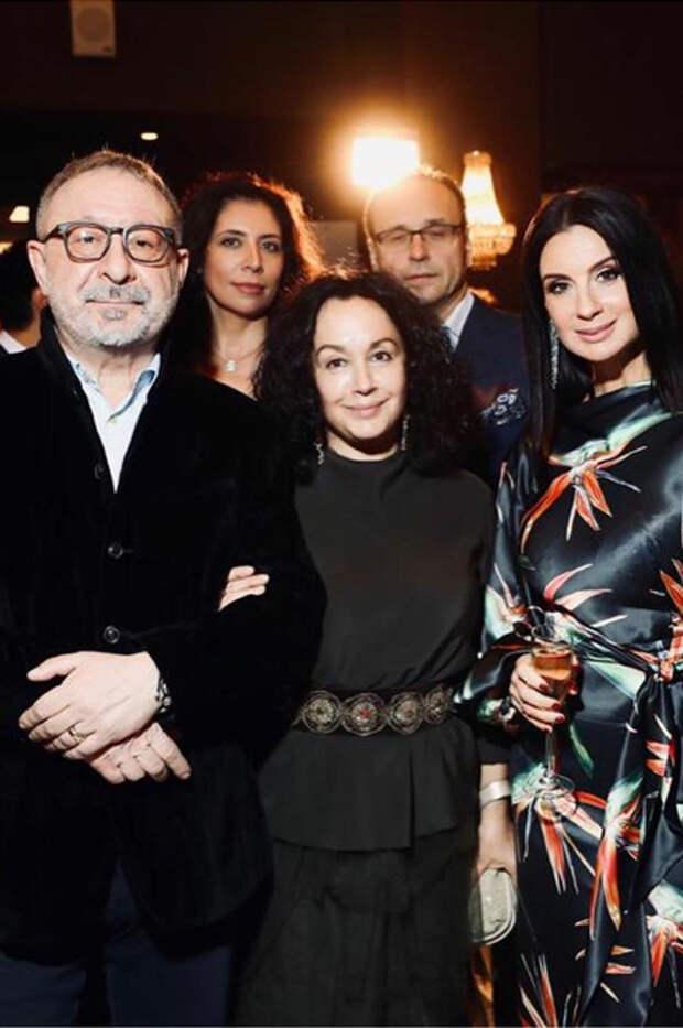 Евгений Маргулис, Екатерина Стриженова с гостями церемонии ТЭФИ-2019