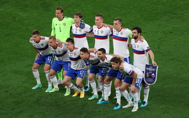 Российские футболисты могут стать дворниками