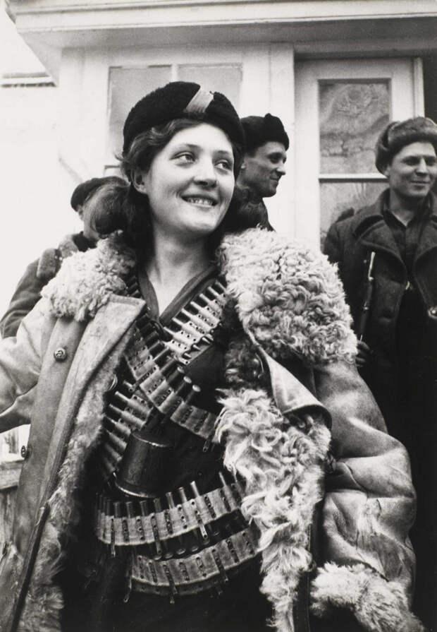 Фронт и тыл Великой Отечественной на снимках 14-ти военных фотографов