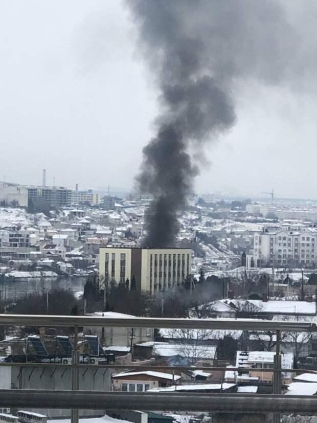 Ракетный корабль сгорел в Севастополе