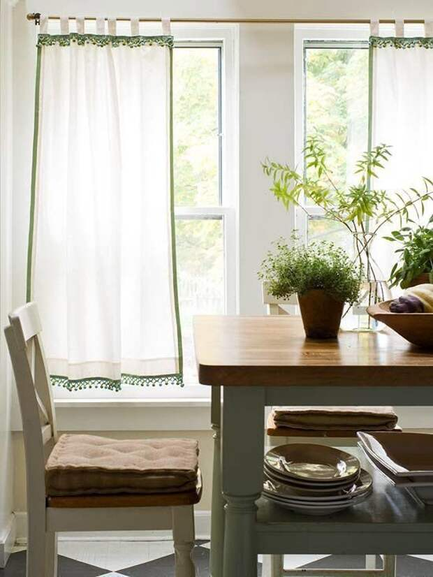 яркие белые шторы