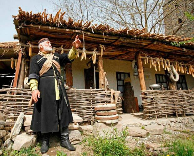 Мастера адыгского села на Балканах