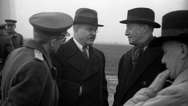 Молотов и Керр, как говорил сам посол, провели в беседах «много приятных и неприятных часов»