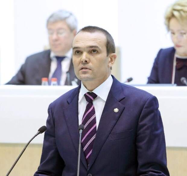Суд прекратил производство по иску умершего экс-губернатора Чувашии Игнатьева