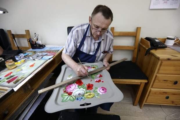 Жостовской декоративной росписи исполнилось 195 лет/Агентство «Москва»