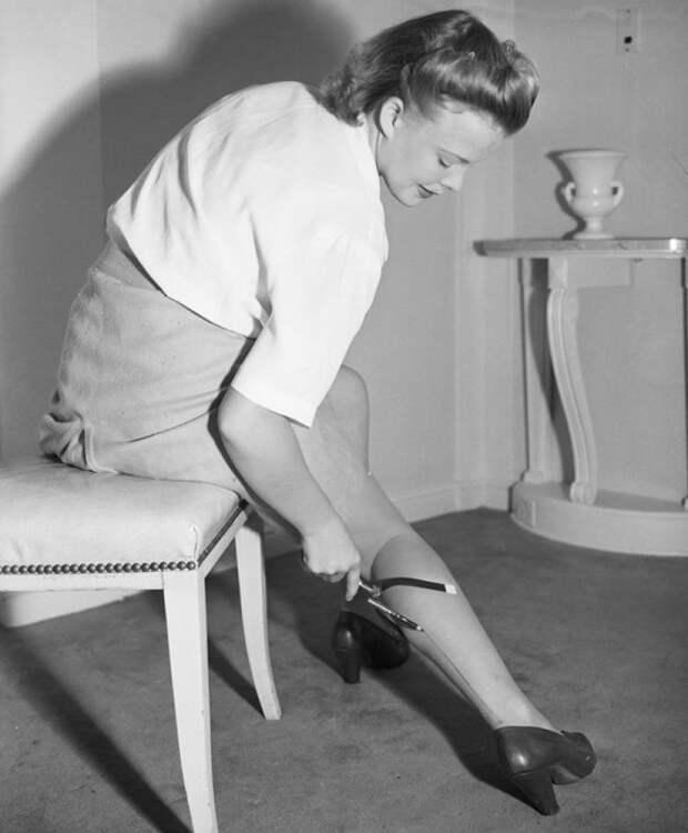 Почему девушки начали брить ноги, и какую роль в этом сыграла война