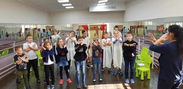 В Лосинке прошёл поэтический вечер «Нет терроризму и войне»