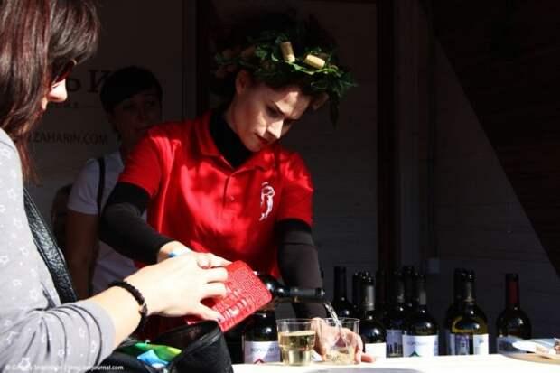 Как в Севастополе отметили праздник сбора урожая и виноделия