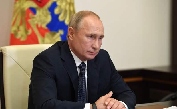 Путин поручил разобраться с коллекторами