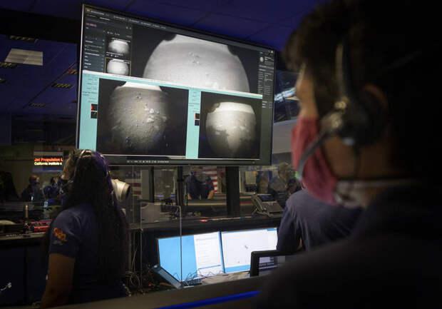 Первые снимки марсохода Perseverance с Красной планеты