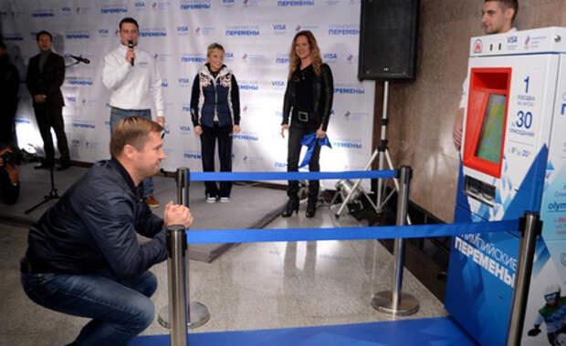 Пассажиров московского метро заставили приседать
