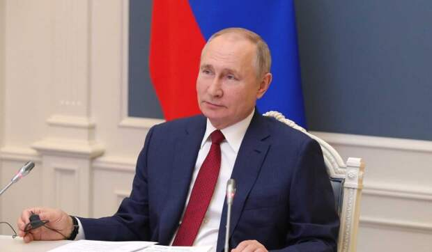 Путин заверил волонтеров в дальнейшей поддержке