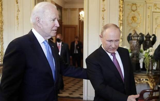Русский намёк на украинские обстоятельства: хохлома от Путина подарена Байдену