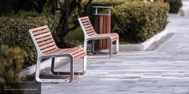 В Пскове на установку четырех скамеек и урн потратят более 200 тысяч рублей