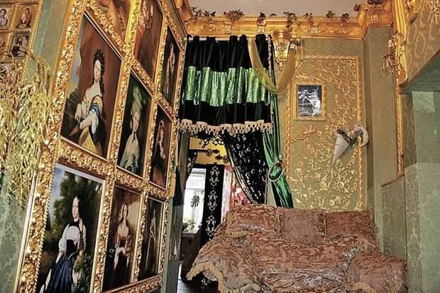 Минкульт потратил 300 млн рублей на гигантский фаллос из золота