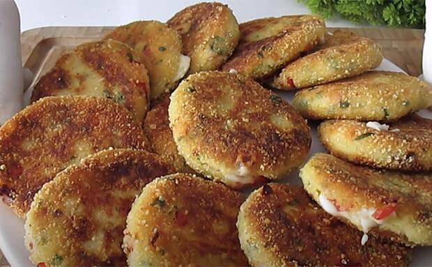 Заменяем драники картофельными крокетами. Делаем с сыром и теперь сочно даже без сметаны