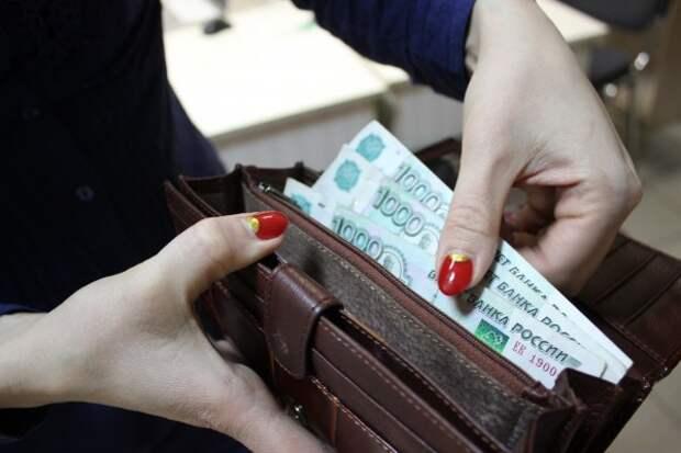 В Севастополе повысят зарплату бюджетникам