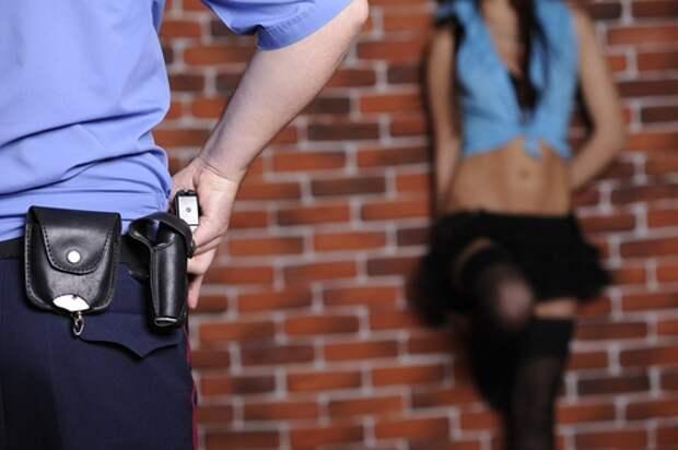 Полиция Севастополя «прикрывает» фиговым листом проституцию?