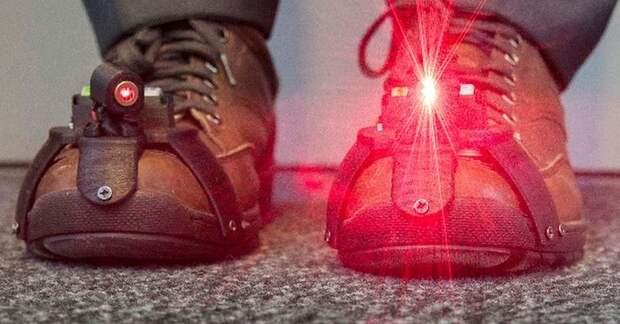 Для людей с болезнью Паркинсона разработали «лазерную обувь»