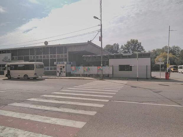 Свирепый капитализм: в Апшеронске закрыли автовокзал