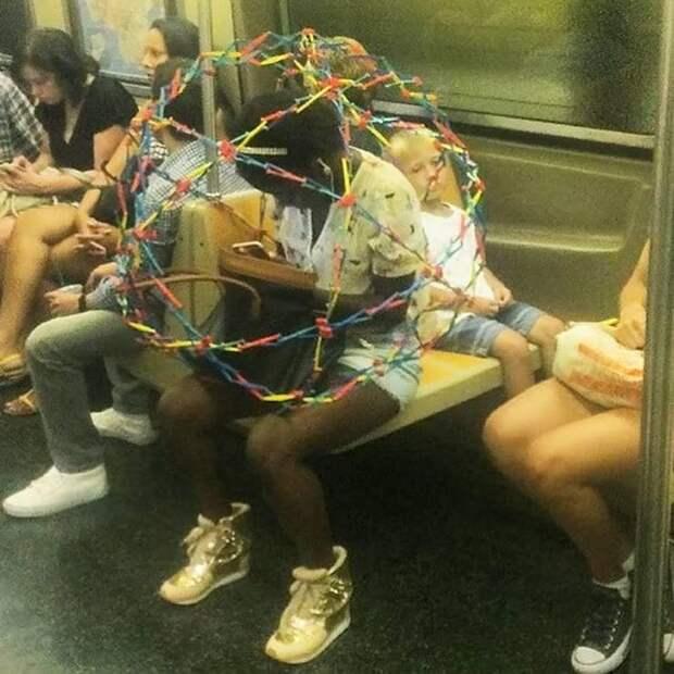 Хотя иногда в общественном транспорте все-таки не хватает личного пространства автобус, люди, метро, общественный транспорт, работа, электричка
