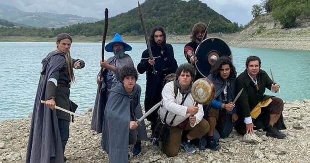 Итальянские ролевики отправилась к Везувию, чтобы сбросить в жерло «Кольцо Всевластия»