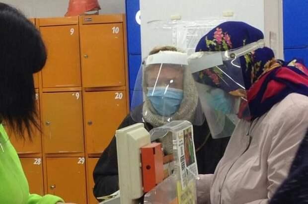 Число случаев коронавируса в РФ за сутки выросло на 22 236